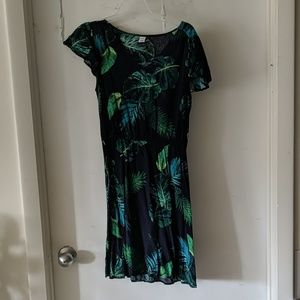Old Navy Palm lead dress